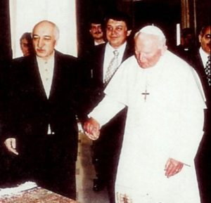 1. Gülen with Pope John Paul II in 1998.