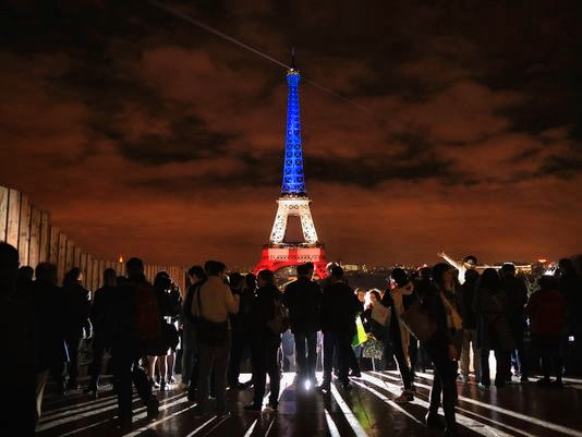 Eiffel-Tower-blue-white&red