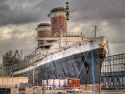 SS_United_States_docked-2015