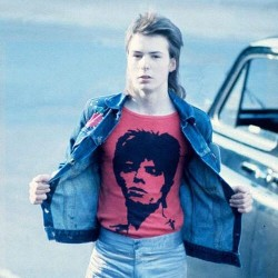 5. Teenage Sid Vicious - Donning his Bowie tshirt at 15!