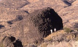 1042-Massive-Iceberg-transported-boulders,-McNeill-Canyon-Erratic