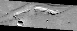 1047-Streamlined-Erosional-Residuals,-junction-of-Shalbatana-and-Simud-Vallis,-Mars