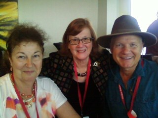 Barbara Honegger, Dr. Carmen Boulter and Dr. Sam Osmanagich - Photo 767