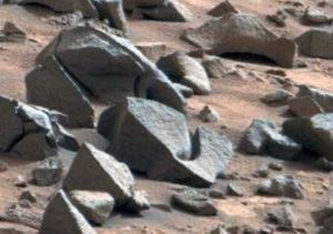 WF-8-Curiosity_Rover_SOL844_Destroyed
