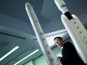 elon-musk-spacex-rockets-gettyimages-111667809